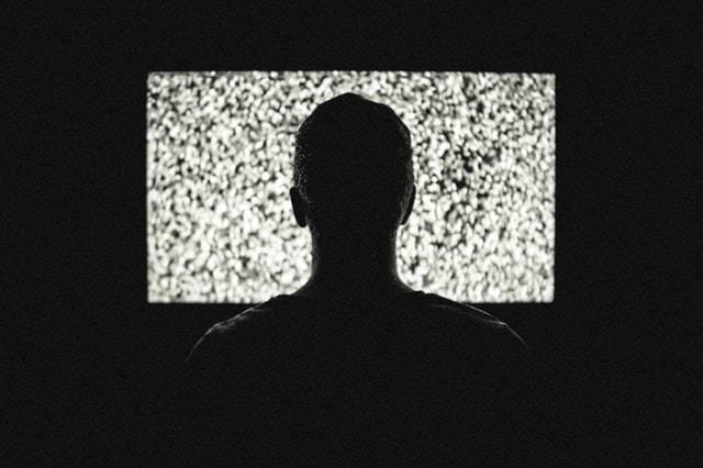 ado-accro-série-télé.jpg