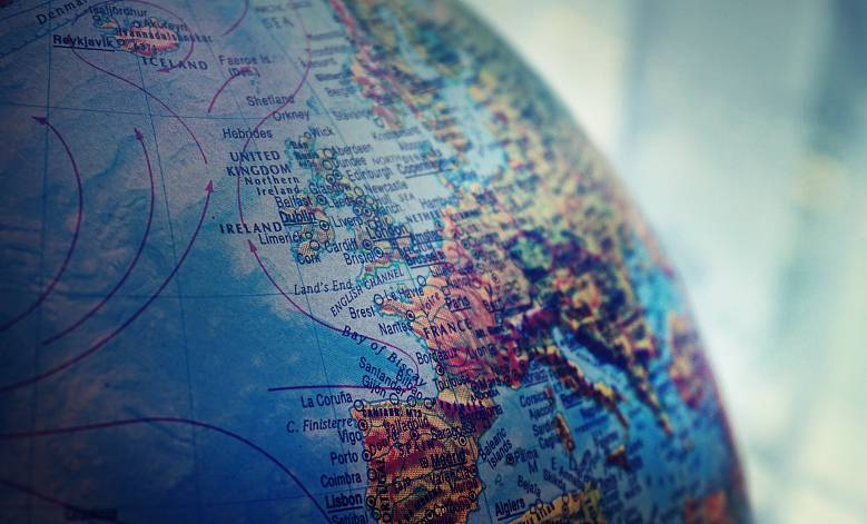shallow-focus-photo-of-world-globe-1098515.jpg