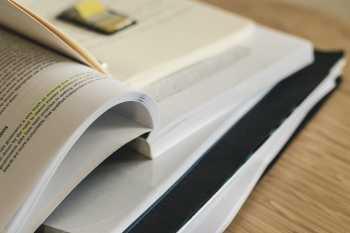 Pour optimiser vos révisions du Bac de Français et de Philo, Les Bons Profs recommandent d'organiser, de planifier mais surtout d'anticiper. Comment faire ?